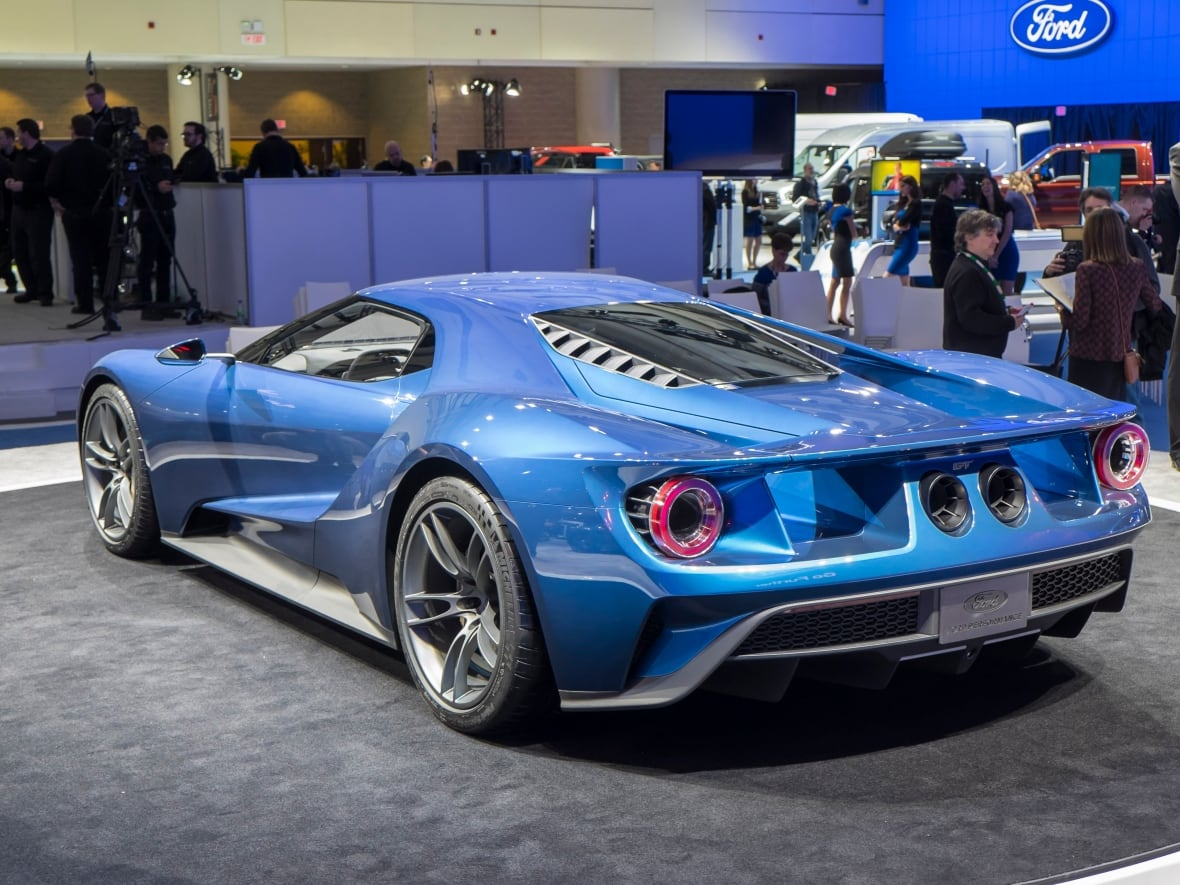 Fords Carbon Fibre  Horsepower Supercar Is Set For Limited Production In  And The Company Announced At The Canadian International Auto Show That