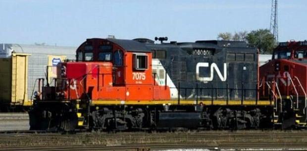 CN train derails