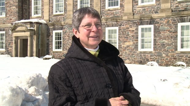 Mary Anne White, a chemistry professor at Dalhousie University, said salt is effective until it's –21 C outside.