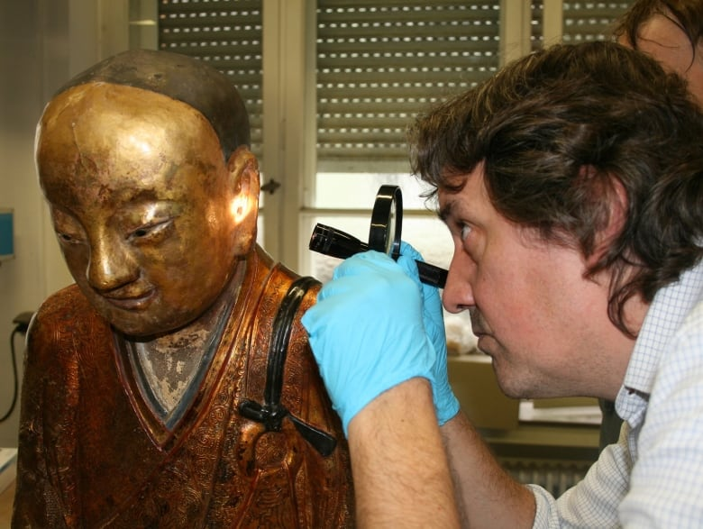 Ancient Chinese Buddha statue has a mummy with surprises inside