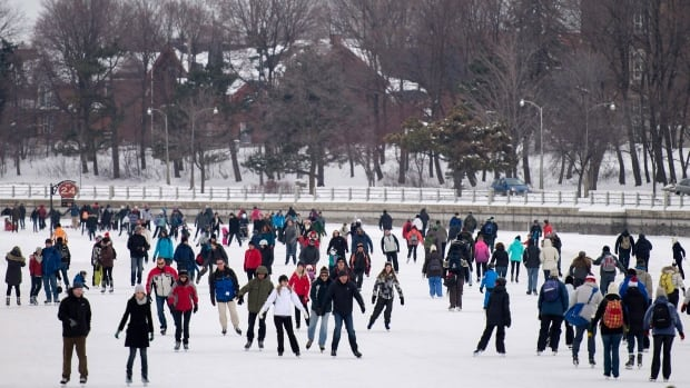 Skaters pack the Rideau Canal Skateway on Sunday, Jan. 18, 2015.