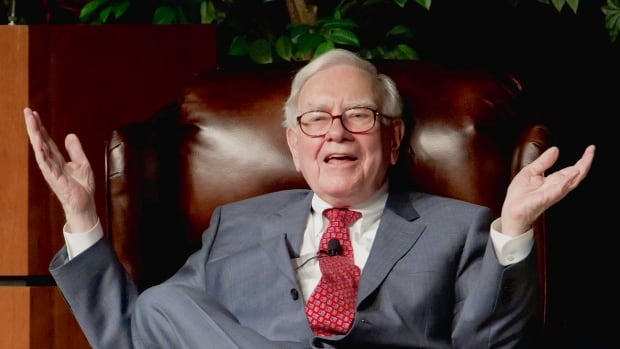 Apple Inc. Likely To Hit Trillion-Dollar Valuation Before Berkshire Hathaway: Buffett