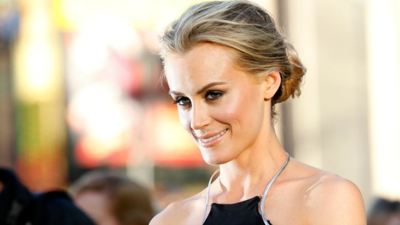 Taylor Schilling poses at the Grauman's Chinese theatre in ...Taylor Schilling Roles
