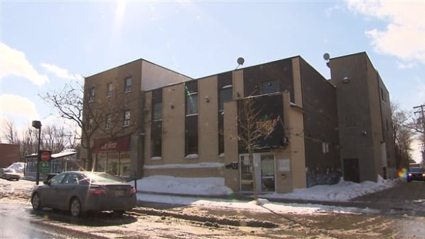 Montreal's Saint-Laurent borough has taken steps to evict the Al Andalous Islamic Center from its Décarie Boulevard location because it does not meet zoning requirements.