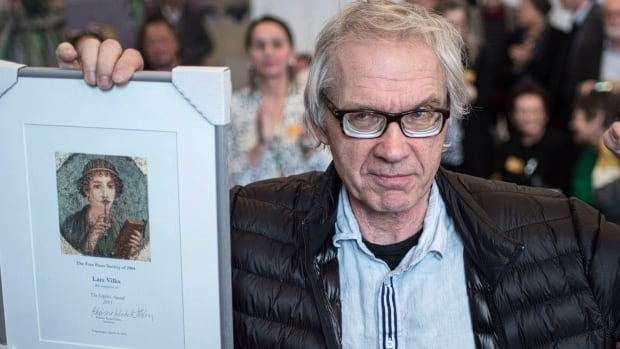 Swedish artist Lars Vilks won a freedom of speech prize from Denmark's Free Press Society. The 68-year-old sparked outrage among Muslims in 2007 with a drawing portraying the Prophet Muhammad as a dog.