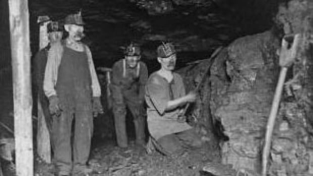 Last Bing Queries & Pictures for Coal Miners At Work 2017