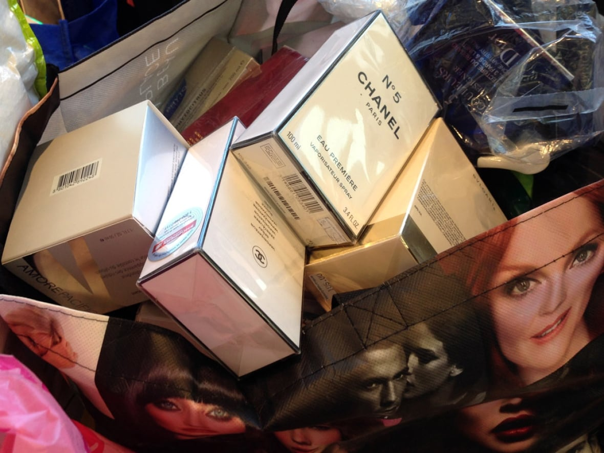 53981c53d6333 ... in connection with an alleged shoplifting ring that took more than  1  million worth of high-end goods from stores across the GTA. (Michelle  Cheung CBC)