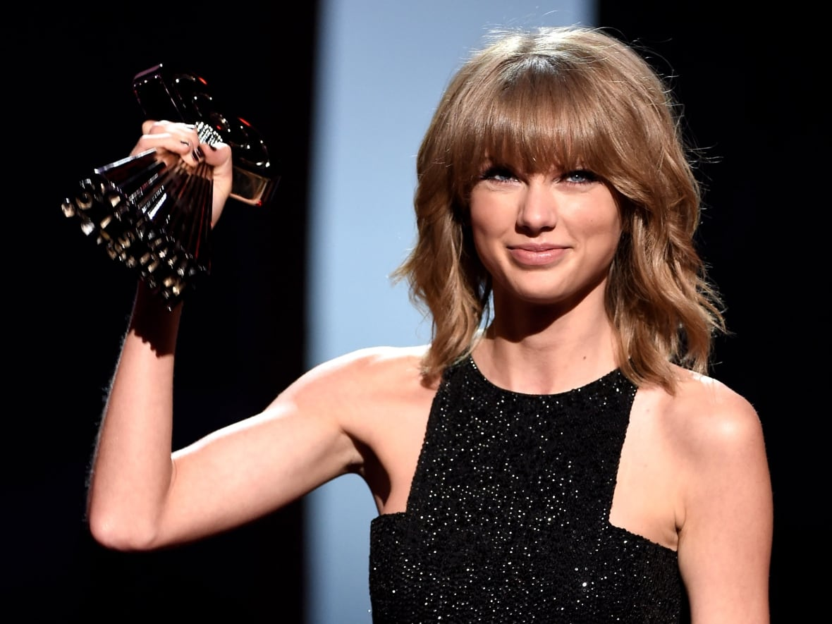 Taylor Swift wins big at iHeartRadio Music Awards in Los