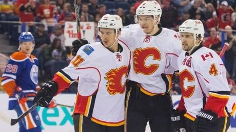 Flames Oilers 20150404-620