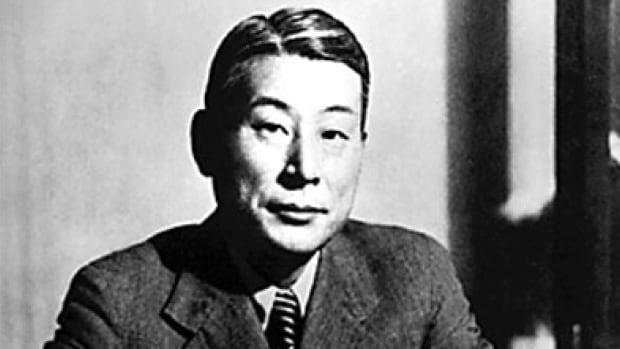 Chiune Sugihara issued more than 2,000 visas that saved 6,000 European Jewish refugees from the Holocaust during World War II.