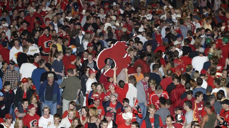 The Red Mile Recounted As The Flames Get Set For The Nhl Playoffs Cbc News