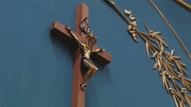 quebec-crucifix.jpg