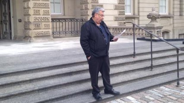 Kitchenuhmaykoosib Inninuwug Chief Donny Morris in front of the Ontario Court of Appeal on Thursday, expressing his concerns about Bill C-51.