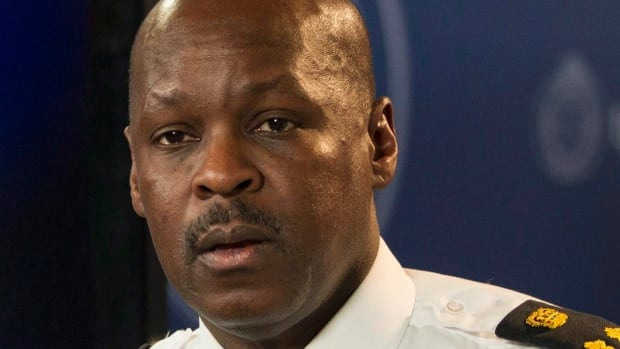 Toronto's police Chief Mark Saunders says he does not support allowing police officers to randomly stop citizens.