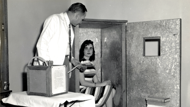 A demonstration from the 50s of psychiatrist Wilhelm Reich's Orgone Accumulator.