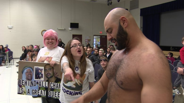 Edmonton wrestling super fan to be honoured after losing fight to cancer