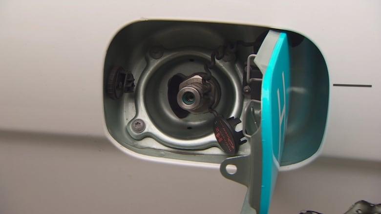 Hydrogen fuel cells find a niche, despite doubts of Tesla's