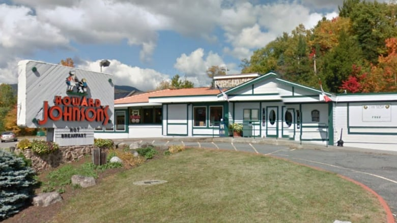 One Of The Last Howard Johnsons Restaurants Closes In Lake Placid