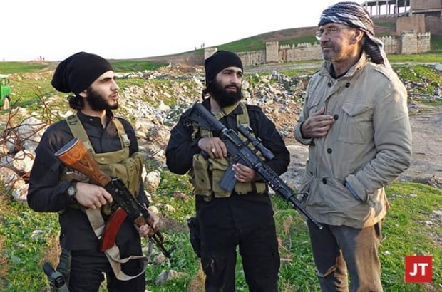 Jurgen Todenhofer with ISIS members