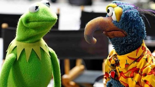 The first photo is released of the new Muppet Show series to air on ABC in the U.S.