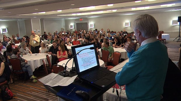 Quebec general practitioners met in Montreal this weekend to discuss what alternatives to Bill 20 would work best.