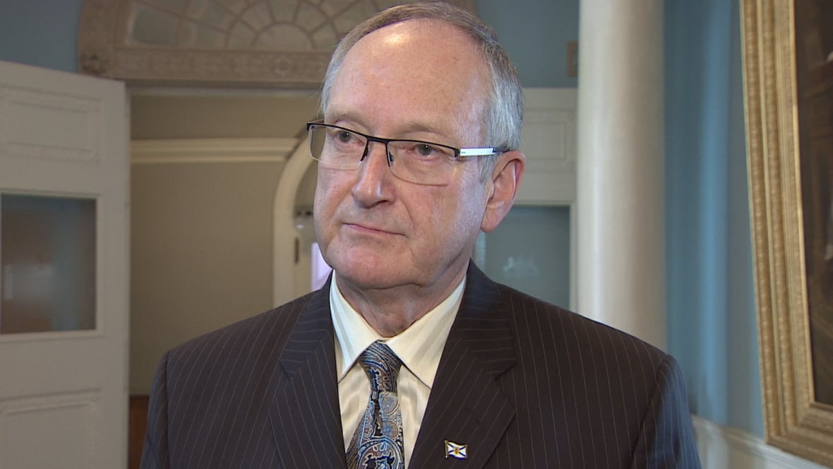 Outgoing deputy health minister warns of 'no-value' health care