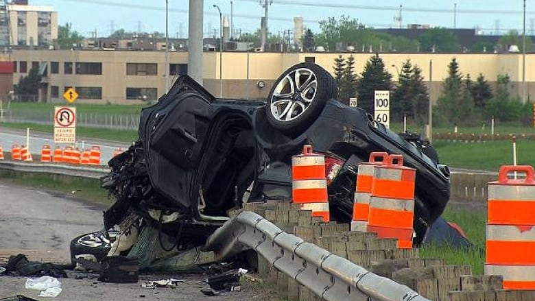 Laval car crash results in 2 arrests for impaired driving