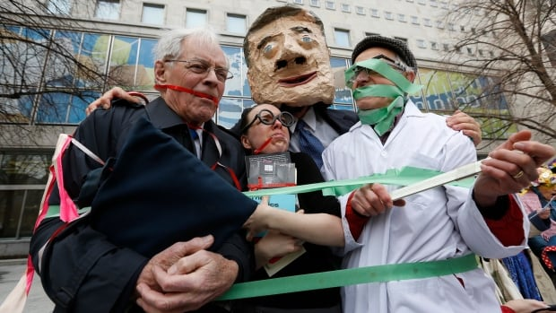 In April 2013, a man posing as Prime Minister Stephen Harper appears to have placed gags on fellow protesters dressed as an MP, a librarian and a scientist during a demonstration against the muzzling of MPs and federal government employees.