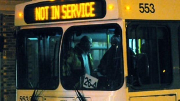 Winnipeg transit union go back to bargaining table for Table 52 go bus