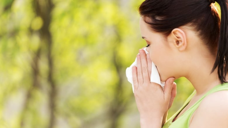 Season of sneezing and allergies hits B C  as weather heats