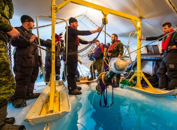 Erebus canon ice recovery Franklin expedition