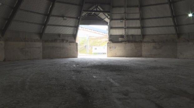 Gysum storage building