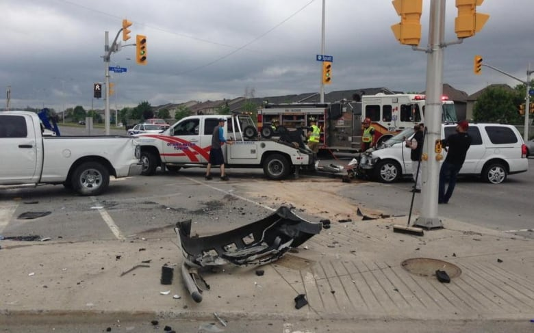 Three Young Children Were Injured After A Crash Between Pickup Truck And Minivan On Thursday Morning