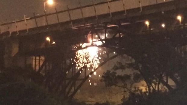 TTC passengers evacuate subway cars as sparks fly on Bloor Viaduct