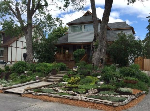 Zephyr Avenue bylaw garden ottawa