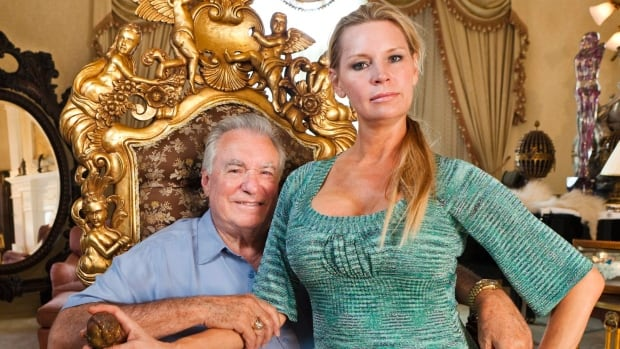 Victoria siegel ingested 39 one or more drugs 39 before death for Queen of versailles