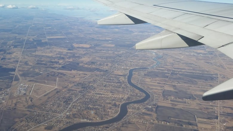 New 'ultra low-cost carrier' lands in Winnipeg | CBC News