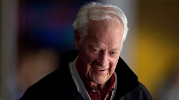 Gordie Howe underwent a second round of experimental stem cell transplants in Mexico on Monday.