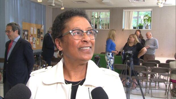 Marlene Jennings, school boards