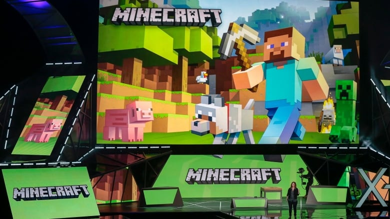 E3: Microsoft touts HoloLens, Xbox backward compatibility | CBC News