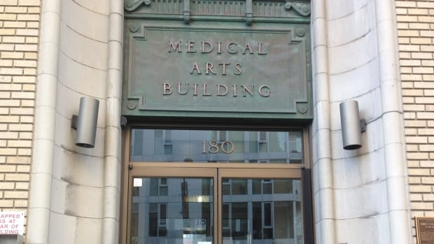 City planners proposed a 27-storey redevelopment for the Medical Arts Building at 180 Metcalfe St. in Ottawa.
