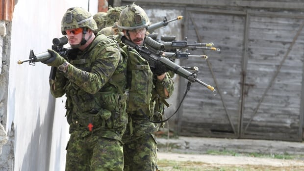 Canadian troops in Poland