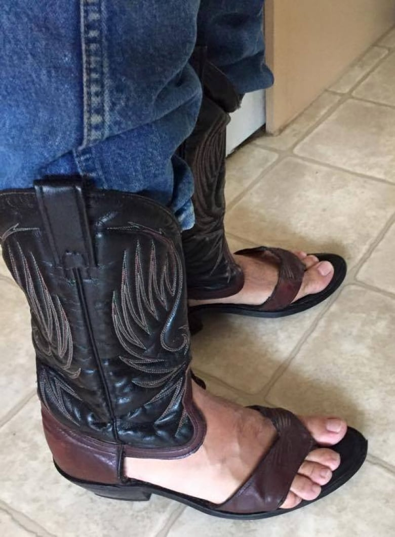 e65942977f0e The cowboy boot sandal tried to gain traction as a comfortable and cooler  alternative to the classic style