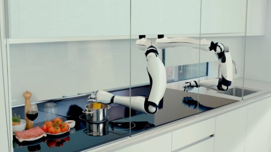 Moley's robotic chef shows off its chops in the kitchen.