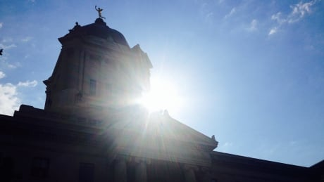 Hot conditions prompt weather advisory in parts of Manitoba