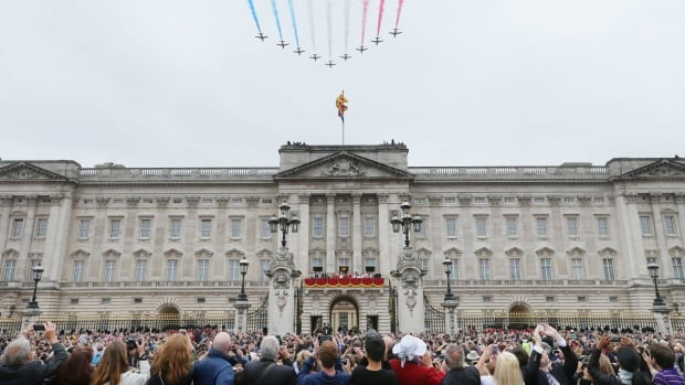 British taxpayers will spend $459 million US over the next 10 years on upgrades to the plumbing, electrical cables and heating at Buckingham Palace.