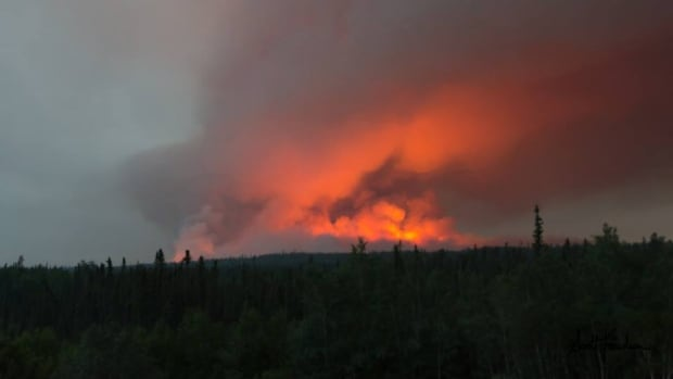 Wildfire expert says bad fire season in Saskatchewan is a wake-up call for nearby communities.