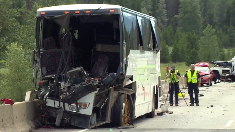 Bus crash on the Coquihalla this weekend injures 37 people | CBC News