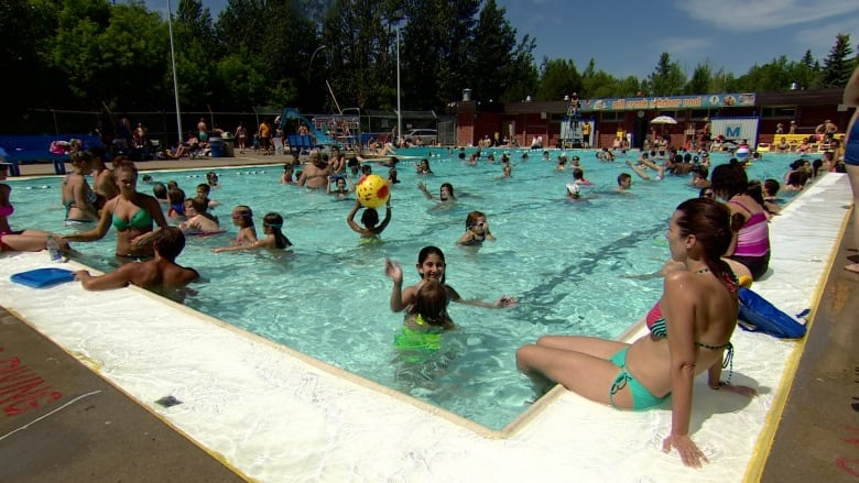 What 39 s open and closed in toronto on canada day the - Splash wave pool public swim hours ...