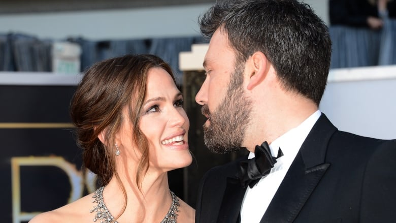 Actress Jennifer Garner and actor-director Ben Affleck, shown together at  the 2013 Oscars, have formally filed for divorce. (Jason Merritt/Getty  Images)